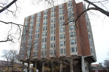 The University of Chicago will demolish Pierce Tower to build a new dormitory.