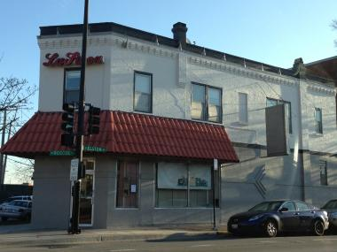 The now-closed La Finca restaurant at Elston and Roscoe is the future home of Honey Butter Fried Chicken.