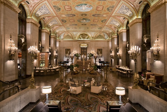 <p>A view of the Palmer House lobby.</p>