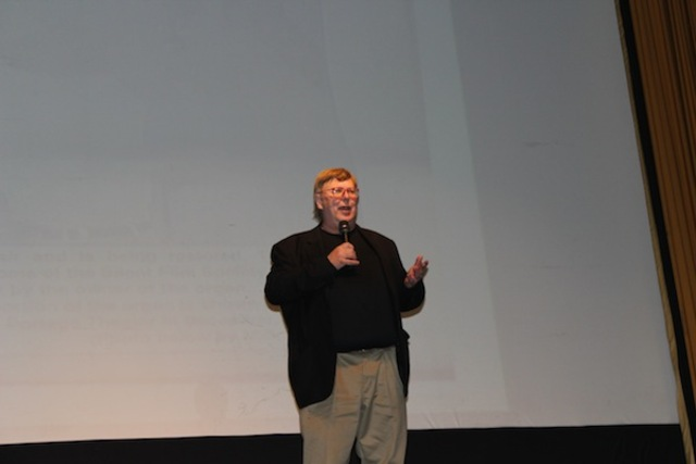 <p>Dennis Wolkowicz, one of the operators of the Portage Theater, asks the crowd to help him pay the legal bills generated by dispute with theater owner Eddie Carranza.</p>