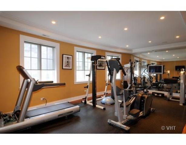 <p>With a gym and media theater indoors, you&#39;ll never have to leave this downtown oasis.</p>