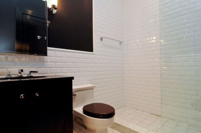 <p>One of the home&#39;s seven full bathrooms, on top of three half baths, a sauna, and two resistance pools.</p>