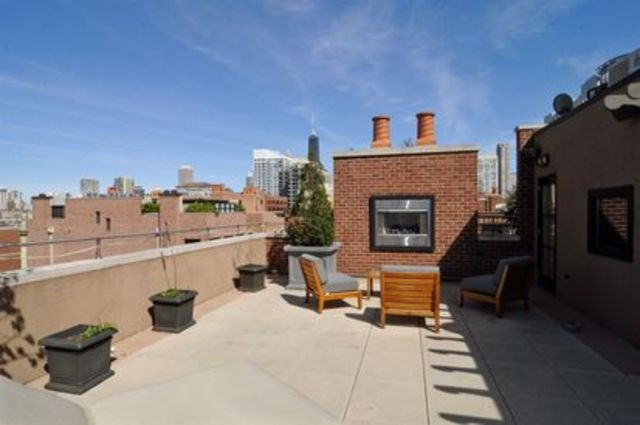 <p>The house&#39;s two roofs allow for 4,500 square feet of outdoor deck space, realtor Ginger Menne told DNAinfo.com Chicago.</p>