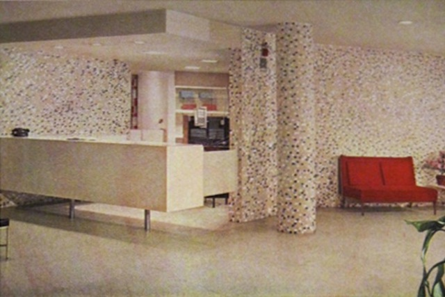 <p>A old view of Cuneo Memorial Hospital&#39;s lobby.</p>