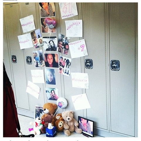 <p>Students at King College Prep decorated Hadiya Pendleton&#39;s locker to honor the slain 15-year-old.</p>