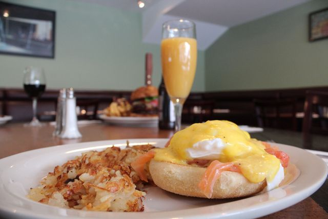 <p>Lox eggs benedict at Isabel&#39;s Restaurant in Lincoln Park.</p>