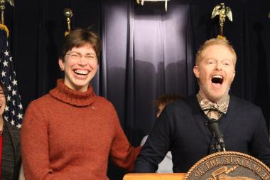 """Modern Family"" star Jesse Tyler Ferguson stopped in Chicago Wednesday to urge state lawmakers to pass a bill legalizing gay marriage."