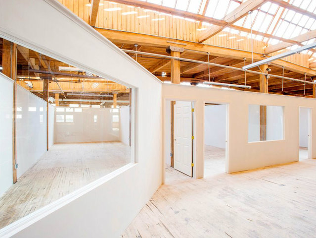 <p>Studio space is offered in a variety of sizes at the Fashion Design Center. Most lead to a common area, designed for collaboration.</p>