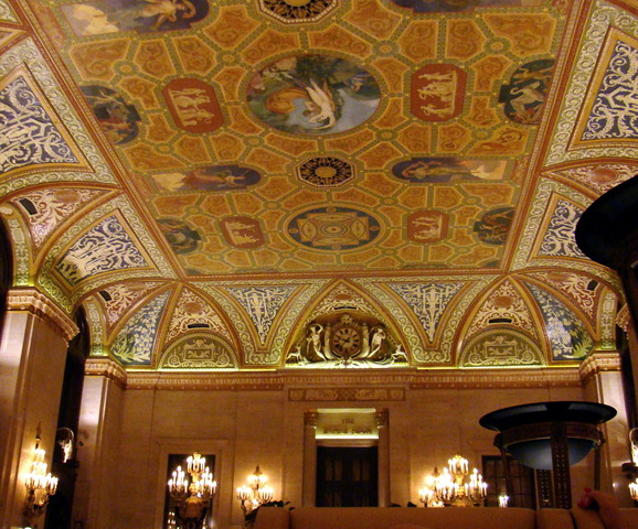 <p>A closer view of the Palmer House lobby&#39;s ceiling.</p>