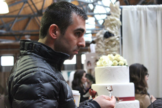 <p>How do you get a guy to Indie Wed? Let him eat cake.</p>