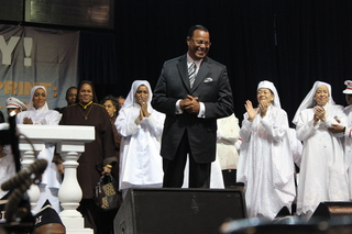 http://assets.dnainfo.com/generated/chicago_photo/2013/02/louis-farrakhan-addresses-nation-of-islam-at-annual-saviours-day-convention-13617540762808.JPG/image320x240.jpg