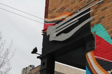 Simone's Bar, 960 W. 18th St., is holding a contest for local artists, with a prize of $2,000.