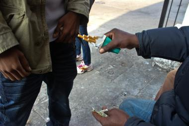 'Loosies' Cigarette Sales Could Spark Gang Conflict, Alderman Says