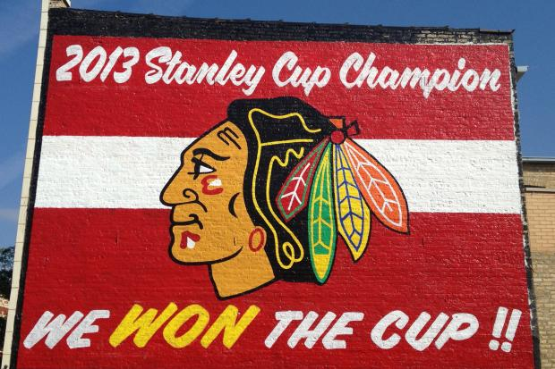 39 we won the cup 39 mural celebrates blackhawks stanley cup for Blackhawks mural chicago