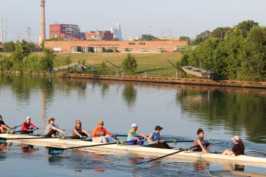 South Side rowing teams hope to fill a void at a planned location near Bubbly Creek.