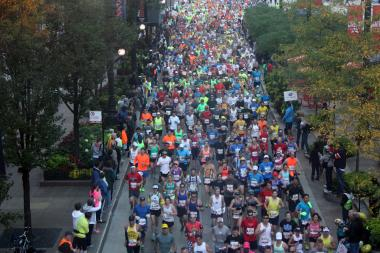 Runners take part in the 2013 Chicago Marathon.