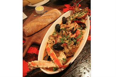 Davanti enoteca celebrates feast of the seven fishes with for Christmas eve fish recipes