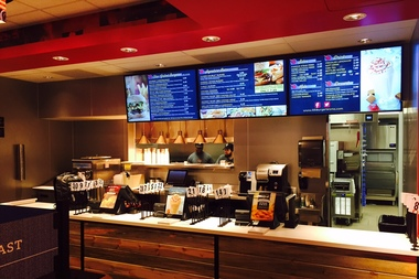 Burger chain Red Robin has pulled the plug on its underperforming fast-casual model restaurants, Red Robin Burger Works, closing all five of its stores in the Chicago area and rebranding three in.