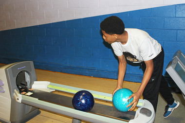 Englewood Students' 'Outstanding' Effort Lauded After State BowlingTourney