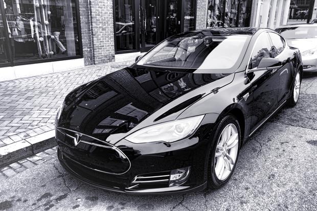 Uber Black Car List >> Chicago S Coolest Uber And Lyft Cars Including A 205 000 Bentley