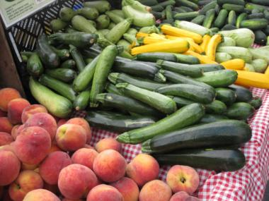 The Yum Food Market offers fruits and vegetables every Wednesday afternoon at the Isabella coffee shop.