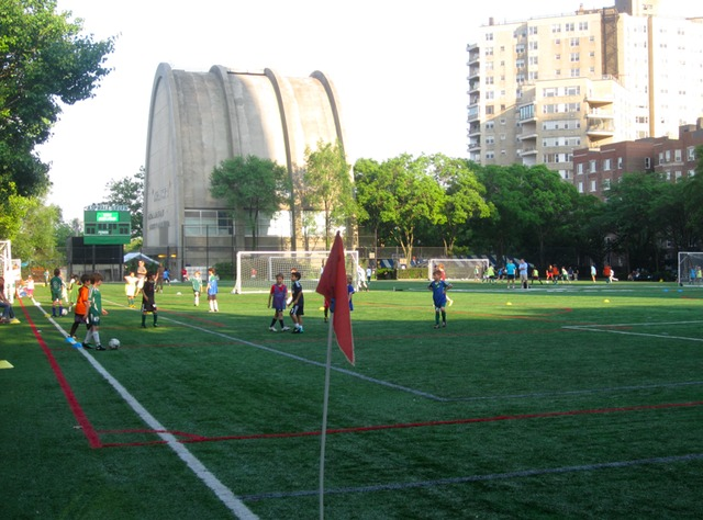 <p>Residents worry that trucks from the East 91st Street waste transfer station will stink up the popular Asphalt Green ball fields.</p>