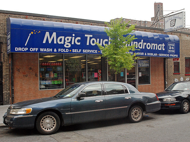 English classes will be held twice a week for the month of August at the Magic Touch Laundromat in Inwood.