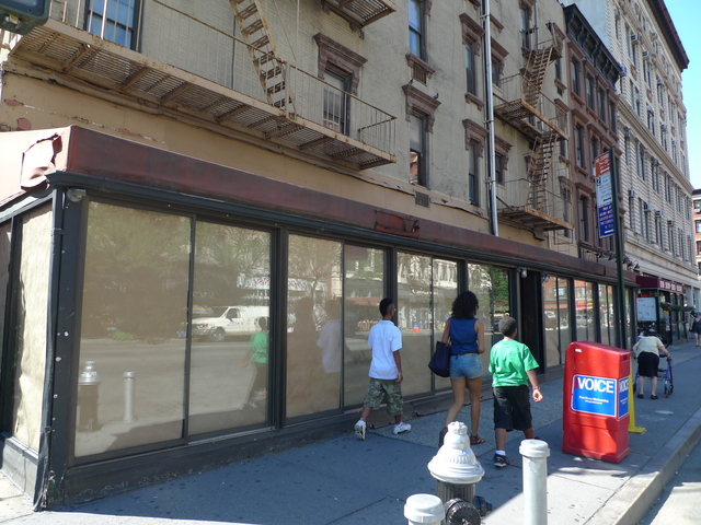 The restaurant space on Columbus Avenue and West 71 Street has been empty for several years. Cafe Tallulah is slated to open there in 2012.