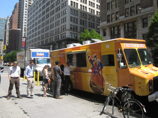 The line at Frites 'N' Meats Aug. 8, 2011, when the food truck gave away free fries. Frites 'N' Meats may soon be one of a group of food trucks parking in Battery Park CIty.