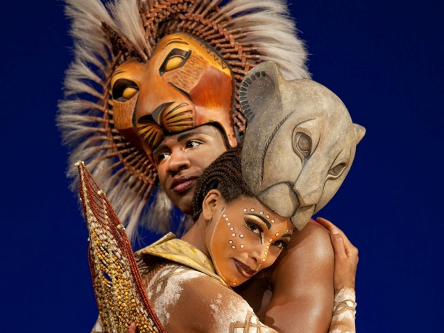 Dashaun Young as Simba and Chaunteé Schuler as Nala in
