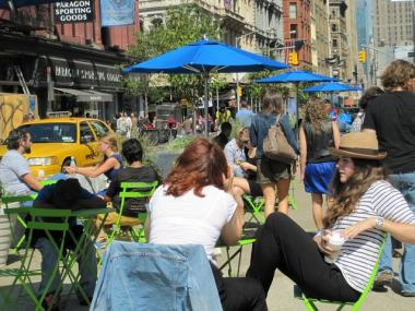 Parsons students Nadia Oesterreich and Paloma Canut enjoyed a cup of coffee in the new Union Square pedestrian mall shortly after the plaza opened.