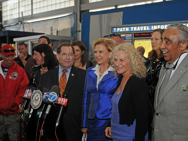 Congressman Charles Rangel, Singer Carole King, Rep. Carolyn Maloney and Jerrold Nadler came together to support the petition.