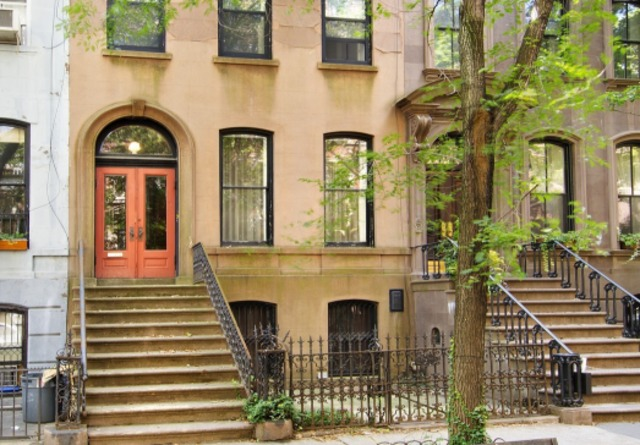One of two Perry Street houses that served as facades for Sarah Jessica Parker's