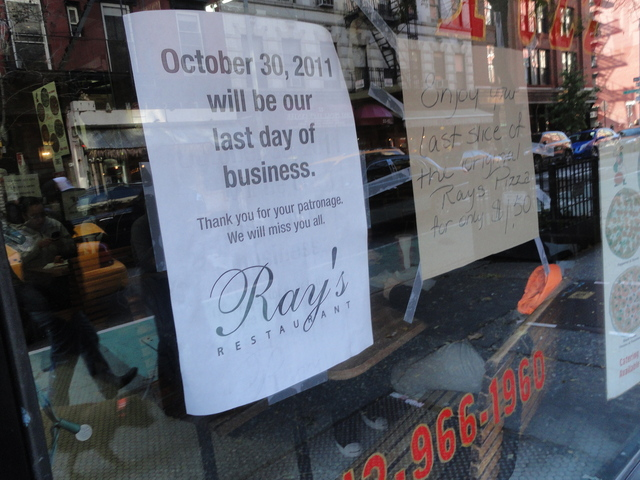 The original Ray's Pizza enjoyed a steady rush of regulars on Sunday, Oct. 30th. The 52-year-old institution will close Sunday night.