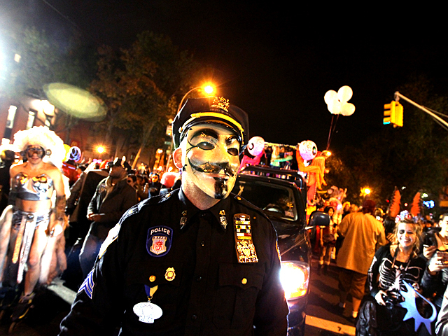 <p>Halloween parade revelers donned all kinds of costumes for this year&#39;s parade.</p>