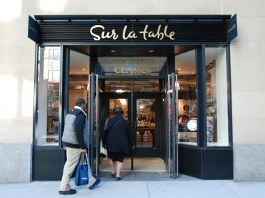 The new Sur La Table store opened at 306 W. 57th St., complete with a huge kitchen area for cooking classes.