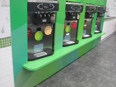 The store will offer eight varieties of frozen yogurt.