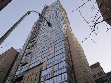 Mt. Sinai Hospital must set aside 43 apartments in its new luxury high rise for lower income tenants.