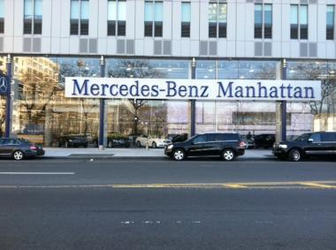 Thief surrenders after stealing mercedes from midtown for Mercedes benz dealer in bronx ny