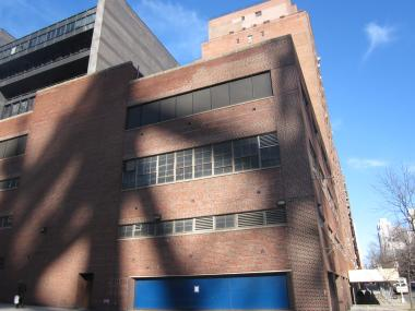 Memorial Sloan-Kettering is planning to build an outpatient surgery at the corner of York Avenue and East 61st Street.