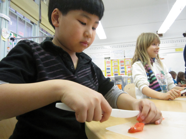 <p>Students at the East Village Community School learned about nutritious eating and how to prepare healthy snacks.</p>
