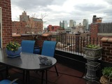 House hunters go to great heights for a pre-war walkup's view of the West Village