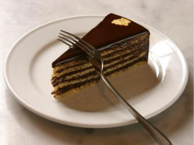 Klimt Cake is made with chocolate and hazelnut and has a drop of gold leaf, in honor of the famed Viennese painter.