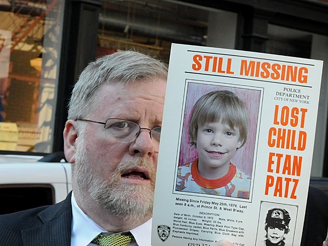 <p>NYPD spokesman Paul Browne with the 1979 missing child poster for Etan Patz.</p>