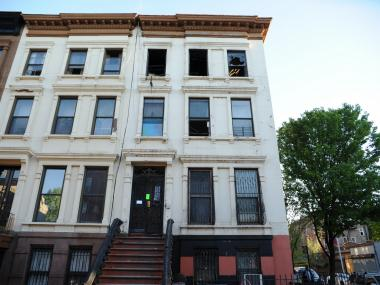 A man was killed in a fire at 343 Jefferson Ave. in Bedford-Stuyvesant on Mon., April 30, authorities said.
