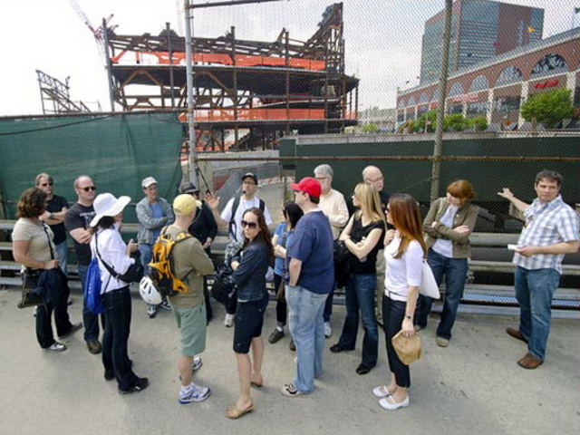 <p>In 2011 Jane&#39;s Walkers learned the context of one of Brooklyn&rsquo;s most controversial development projects with Norman Oder, the journalist behind the Atlantic Yards Report blog.</p>