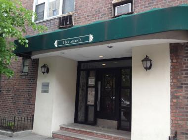 The entrance to 1 Bogardus Pl., where a woman was critically injured in a fire on May 5, 2012.