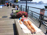 City Roasts as Heat Wave Stretches to Second Day
