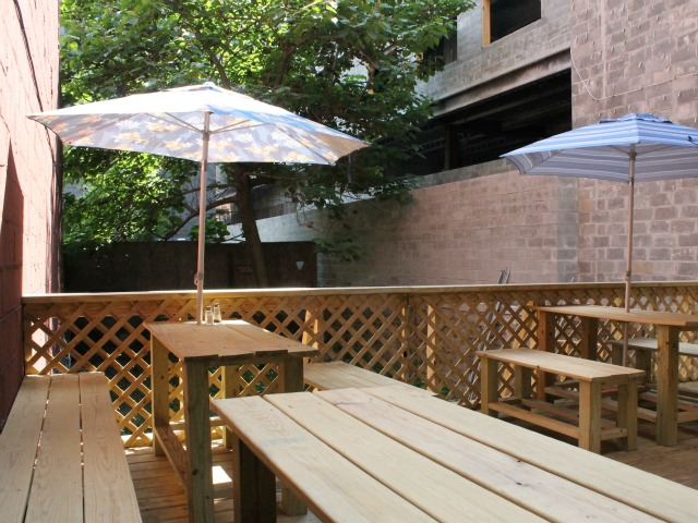 The Hub Kitchen and Café offers outdoor seating.
