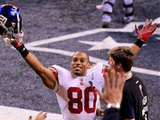 Giants Star Victor Cruz to Meet Fans at Queens Book Signing